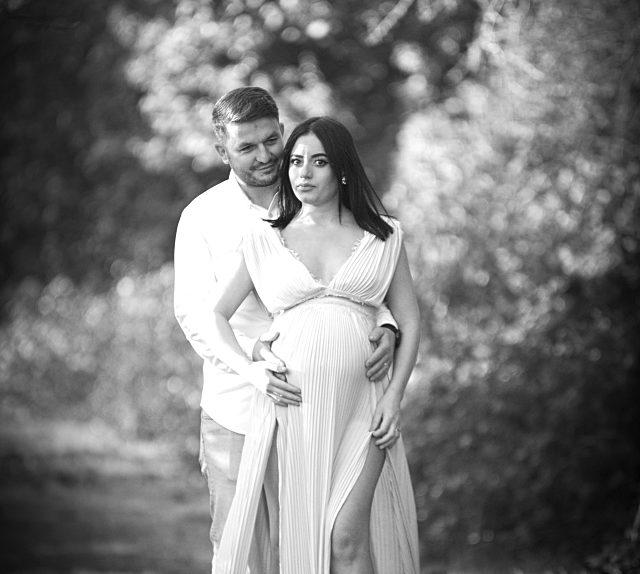 "alt=""Maternity Photo Shoot"""